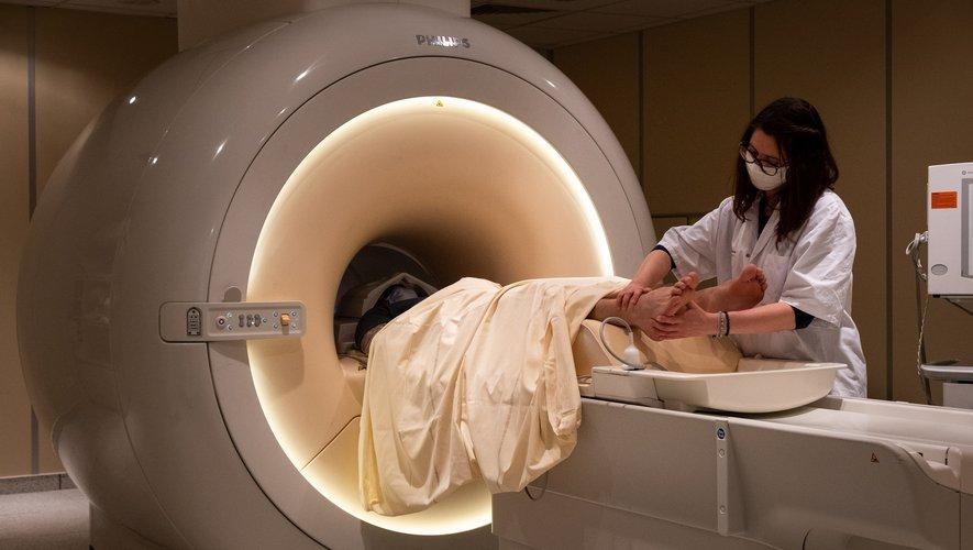 ToNIC et le CHU de Toulouse mènent une étude sur les corrélats cérébraux de la réflexologie plantaire. Retrouvez l'article de La Dépêche qui met à l'honneur l'étude FOOT!